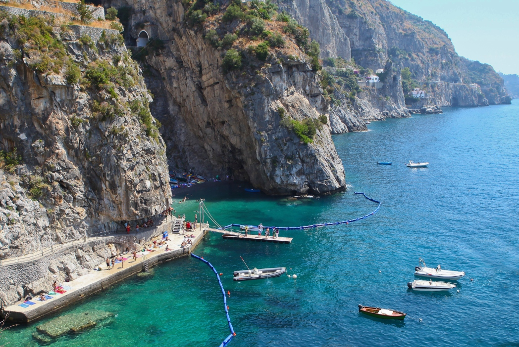 Italské pobřeží Amalfi a ostrov Capri